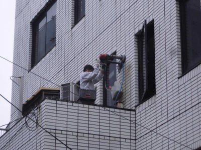 ①壁面コア抜き工事